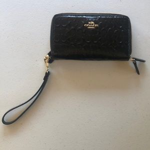 Like new, authentic coach wallet/wristlet